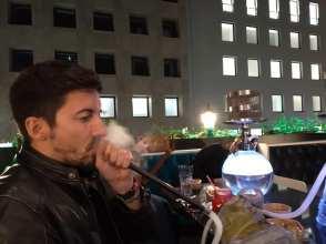 Fumando Narghilè